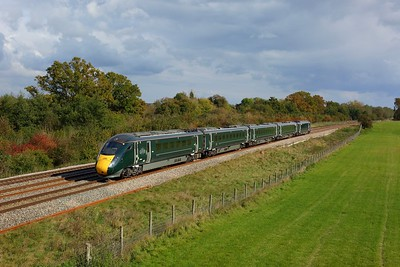800006 working 1K14 1307 London Paddington to Bedwyn at Hungerford on 14 October 2020  GWR, Class800, BandH