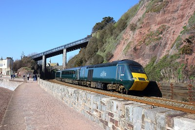 43016 leads 43172 workng 2E76 0950 Plymouth to Exeter St Davids at Teignmouth on 4 April 2021  GWR, GWRCastleSets, SouthDevonMainline