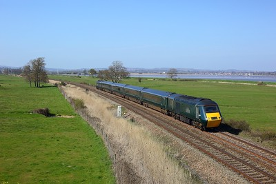 43172 leading 43016 on 2C51 1501 Exeter St Davids to Plymouth at Powderham on 4 April 2021  GWR, GWRCastleSets, SouthDevonMainline