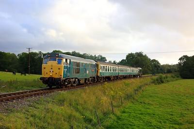 31430 tnt D8188 on 2T28 1915 Eridge to Tunbridge Wells at Pokehill farm on 6 August 2021  Class31, SpaValleyRailway