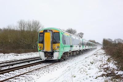377317 leading 377324 working 2A25 1101 Tonbridge to Redhill at Crowhurst, Edenbridge on 9 February 2021  Class377, Southern, RedhillTonbridgeLine