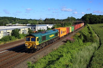 66540 working 4L52 Garston to London Gateway at Kings Langley on 29 July 2021  Freightliner66, WCMLSouth, Class66, Freightliner