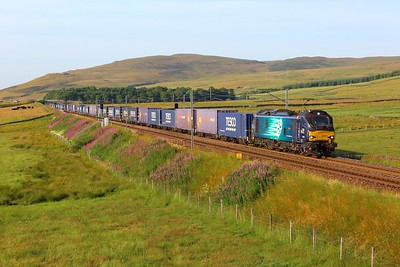 88008 working 4M48 Mossend to Daventry at Wandel on 23 July 2021  Class88, DRS, WCMLScotland, ClydeValley