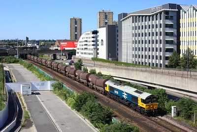 66789 working 6B57 Wembley to Dollands Moor at Shepherds Bush on 16 July 2021  GBRf66, Class66, GBRf, WestLondonLine, WLL, LargeLogo