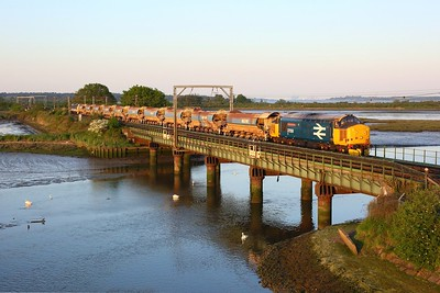 37424 leading 37425 on the 6P01 1631 Whitemoor to Hockley at Cattawade, Manningtree n jnc on 1 June 2021  Class37, GEML, DRS
