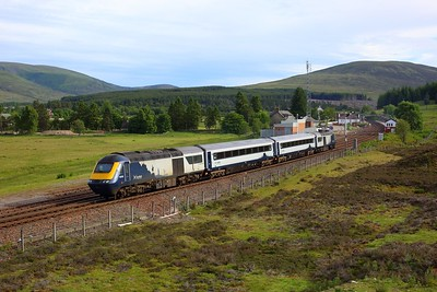 43135 leading 42078, 42077 and 43034 on 5T01 Slateford to Inverness departing Dalwhinnie on 28 June 2021  ScotrailHST, HML