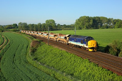 37425 leading 37424 on 6P01 0445 Wickford to Whitemoor at Bentley on 2 June 2021  Class37, DRS, GEML