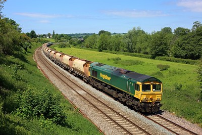 66610 working 6A27 East Usk to Hayes and Harlington at Hungerford on 16 June 2021  Freightliner66, BandH