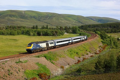 43135 leading 42078, 42077 and 43034 on 5T01 Slateford to Inverness arriving at Dalwhinnie on 28 June 2021  ScotrailHST, HML
