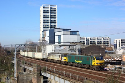 90046 leading 90048 on 4L91 Trafford Park to Felixstowe at Caledonian Road on 9 March 2021  Freightliner, Class90, NLL