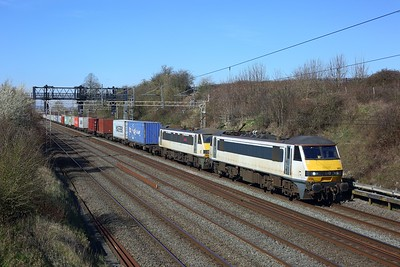 90010 leading 90006 on the 4L97 Trafford Park to Felixstowe at Bourne End on 9 March 2021  Class90, Freightliner, WCMLSouthEast