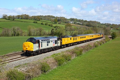 37240 leading 37254 on 1Z96 Derby RTC to Cardiff Canton at Pandy on 4 May 2021  Class37, ColasRail, TestTrain, TheMarches, NeilBowden