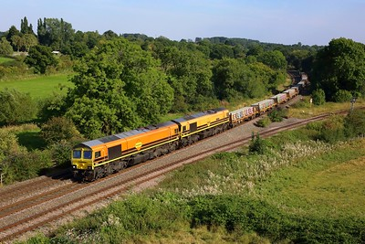 66623 leading 66413 working 4E18 Taunton Fairwater yard to Doncaster Wood yard at Hatton N jnc on 8 September 2021  Freightliner66, Freightliner, ChilternMainlineNorth