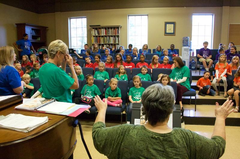 10 23 16 Late Kids Sing 135