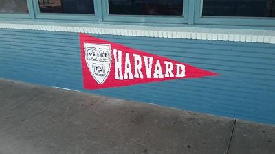 (D22) Harvard Logo - Actual
