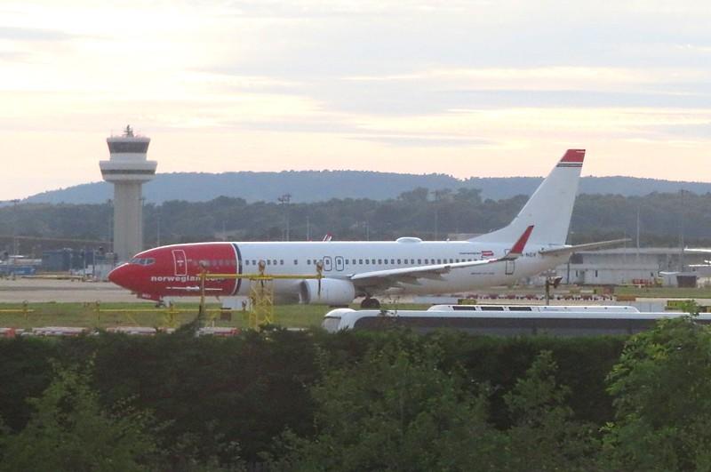Norwegian Air Shuttle Boeing 737-800 LN-NGV at Gatwick Airport, 23.06.2018.