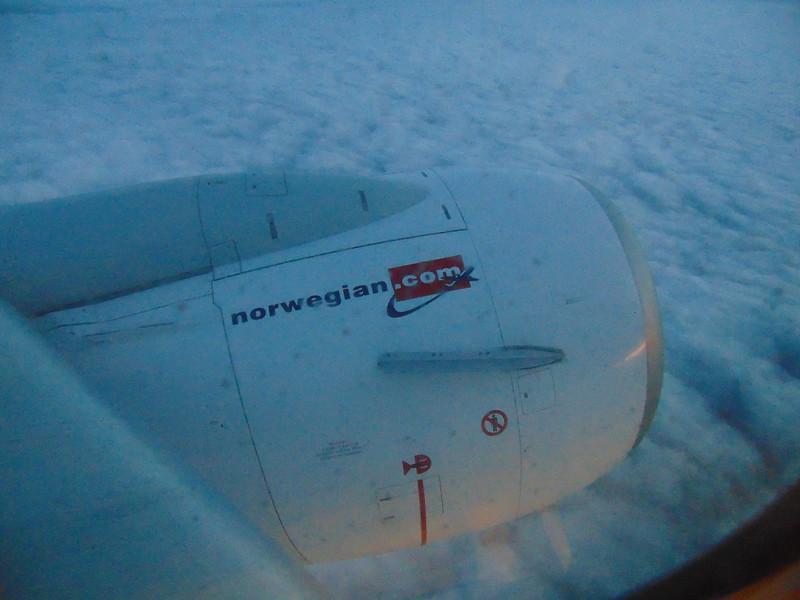 Flying from Gothenburg to London Gatwick on Norwegian Air Shuttle Boeing 737-800 LN-DYE.