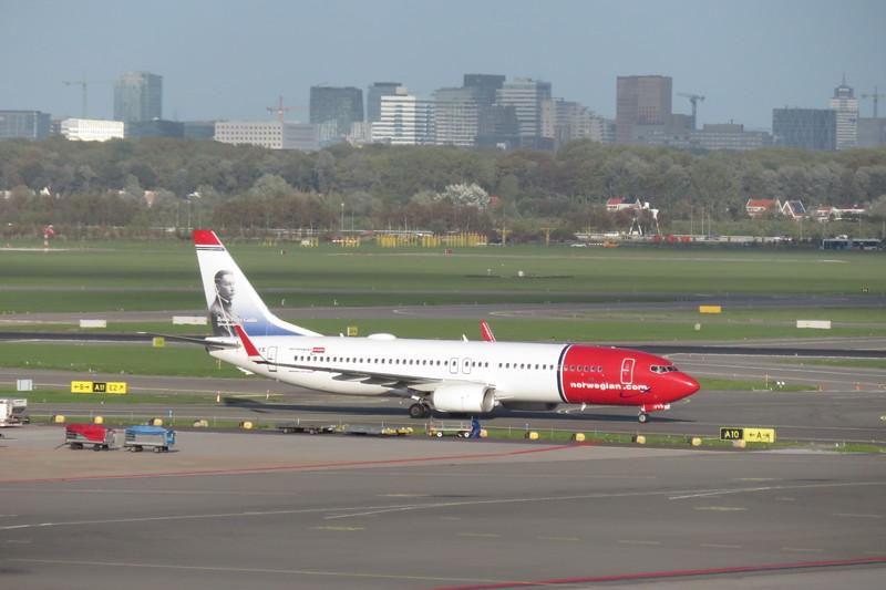 "Norwegian Air International Boeing 737-800 EI-FVS ""Benito Perez Galdos"" at Amsterdam Schiphol Airport on a Copenhagen flight, 03.10.2018."