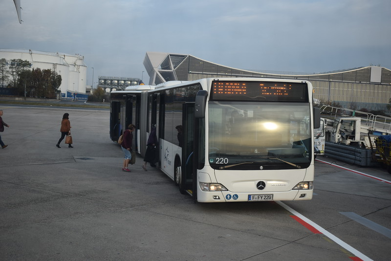 Frankfurt Airport articulated Mercedes Citaro FFY220 220.