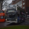 Reading Buses Enviro 400 MMC YY15OYA 759 at the station on the 4 to Bracknell.