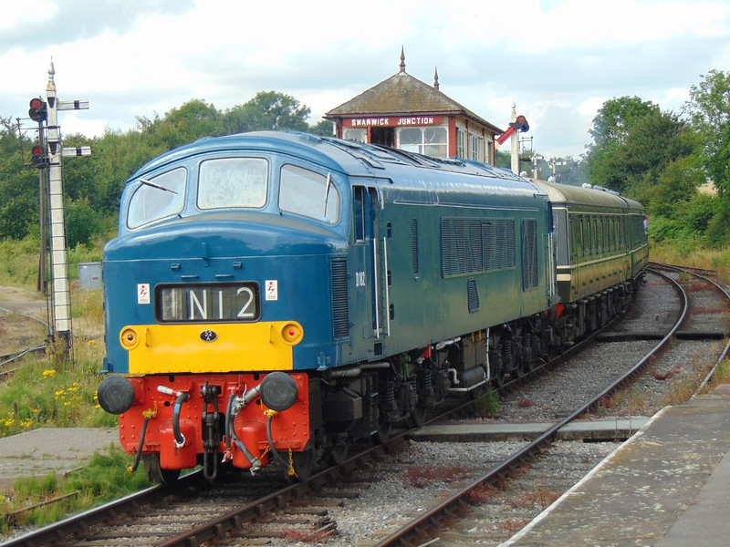 Class 46 Peak no. D182 (46045) arrives at Swanwick Junction.