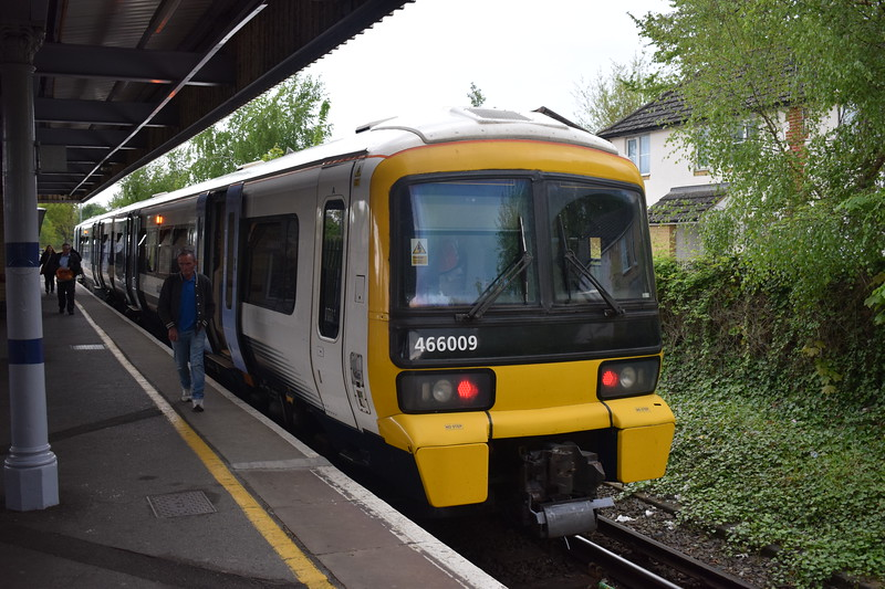 Southeastern Class 466 Networker no. 466009 at Grove Park on the Bromley North shuttle.