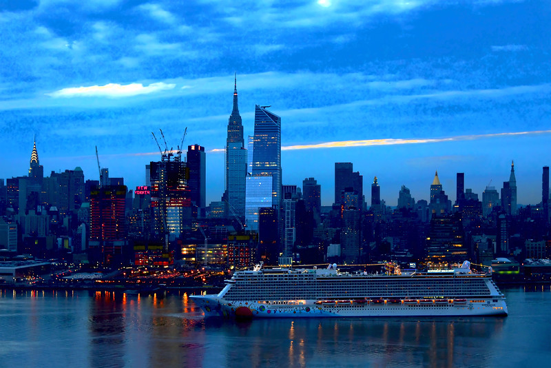 NYC Norwegian Breakaway Dawn Arrival