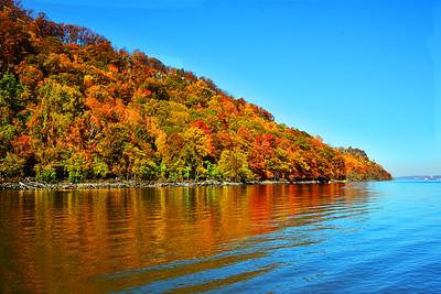 Autumn Foliage along the New Jersey Palisades