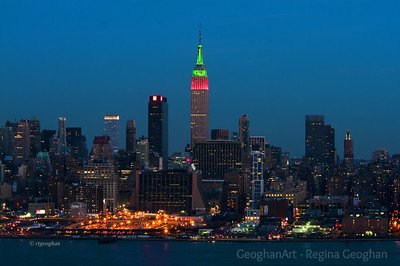 Day 358: NYC Skyline Christmas Colors - Dec 24. Can't do a proper Christmas daily photo collection without including at least one skyline shot.  Thanks for the comments on my Santa window shot.  It was one of the shots that I printed for Christmas Cards.  For anyone who would like to see all of the NYC Christmas shots from this year, the link is :  http://www.geoghanart.com/NewYork/New-York-Christmas-2012/26948799_sng7Jr#!i=2258816361&k=LK2rZNj