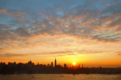 Day 335: NY  Skyline Sunrise - Nov 28.  What a joyful way to start the day.  I was not expecting a pretty sunrise today but luckily I was up and ready to get outside when I saw how beautiful the skies were.