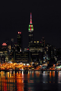 Day 359: NYSkyline Christmas Colors- December 26.