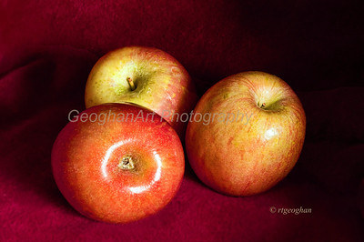 Day 79: Three Apples - Mar 20. Happy first day of Spring.