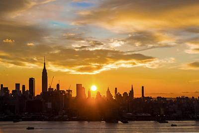 Day 016: New York Skyline Sunrise- Jan 16.