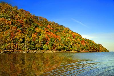 NJ Hudson River  Palisades in Autumn