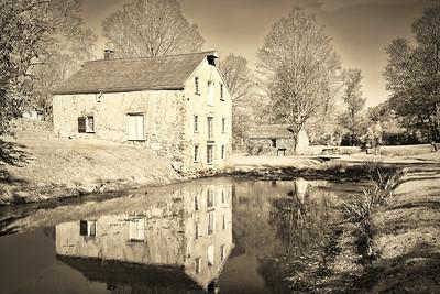 Vintage Canal  Village Charm
