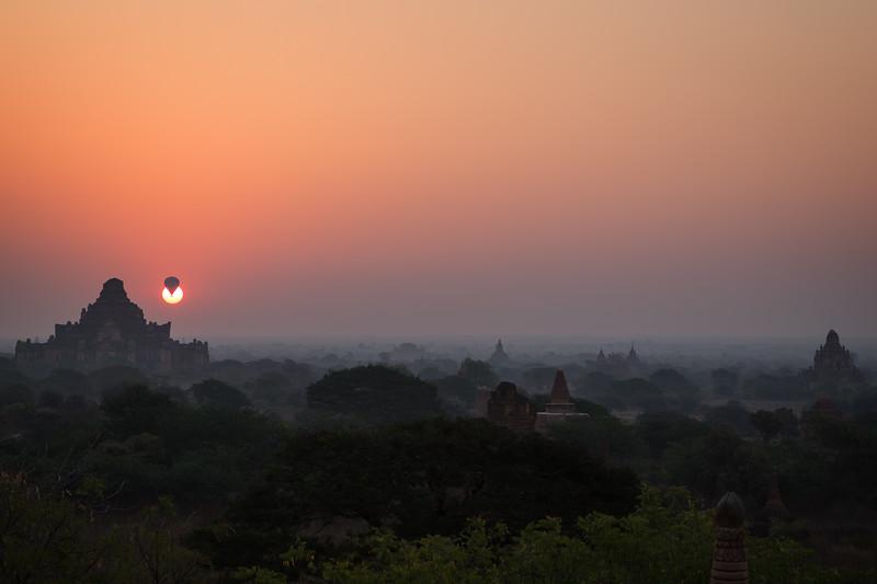 Sunrise in Bagan