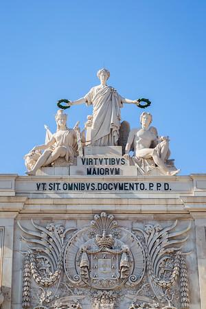 Front view of the Arco da Rua Augusta in Lisbon