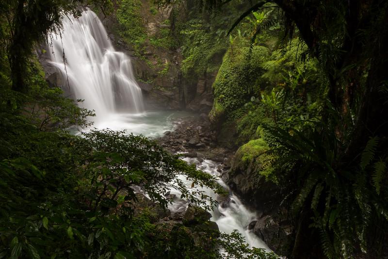 Neidong Middle-level Waterfall