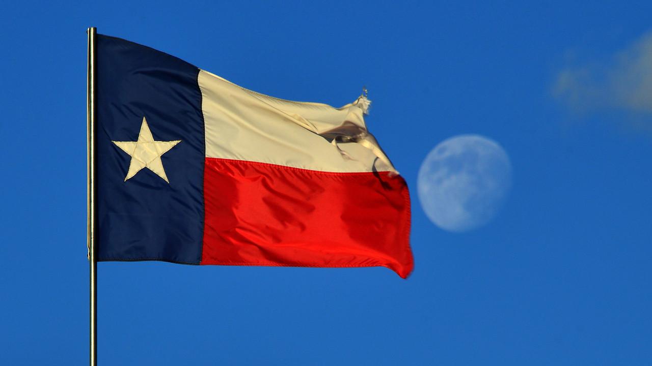 Texas Flag and moonrise 003