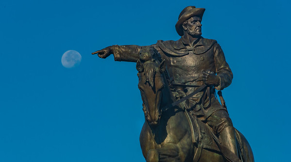 CRV_9788 Sam Houston statue pointing at full moon - Copy