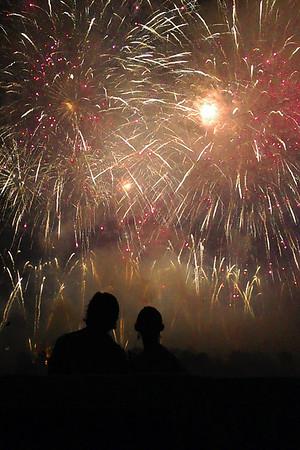 7 4 15 fireworks nville 25