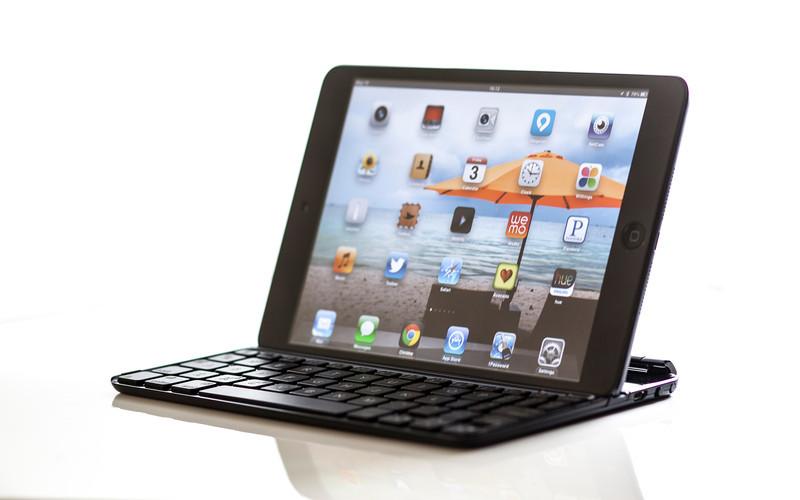 Logitech Ultrathin Keyboard Cover for iPad Mini in USA TODAY