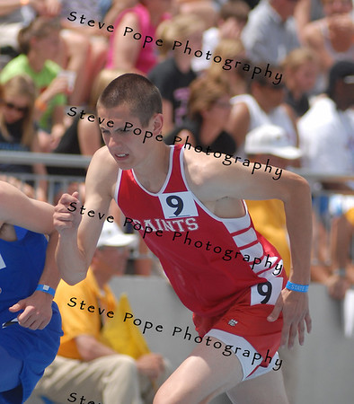 Saint Ansgar's Garret Ehlke runs in the 1600m finals at the State Track Meet on Saturday in Des Moines. (Christin Sommer/ photo)