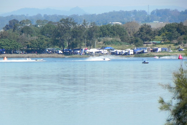 13/08/2017 - Power Boat Racing On The Clarence from The Great Marlow Road, Grafton