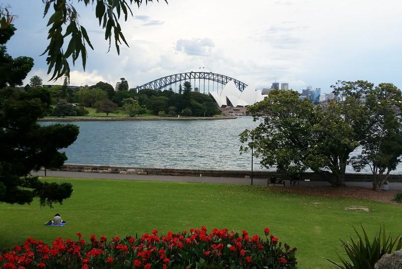 24/11/2017 - Classic Sydney shot from Royal Botanical Gardens