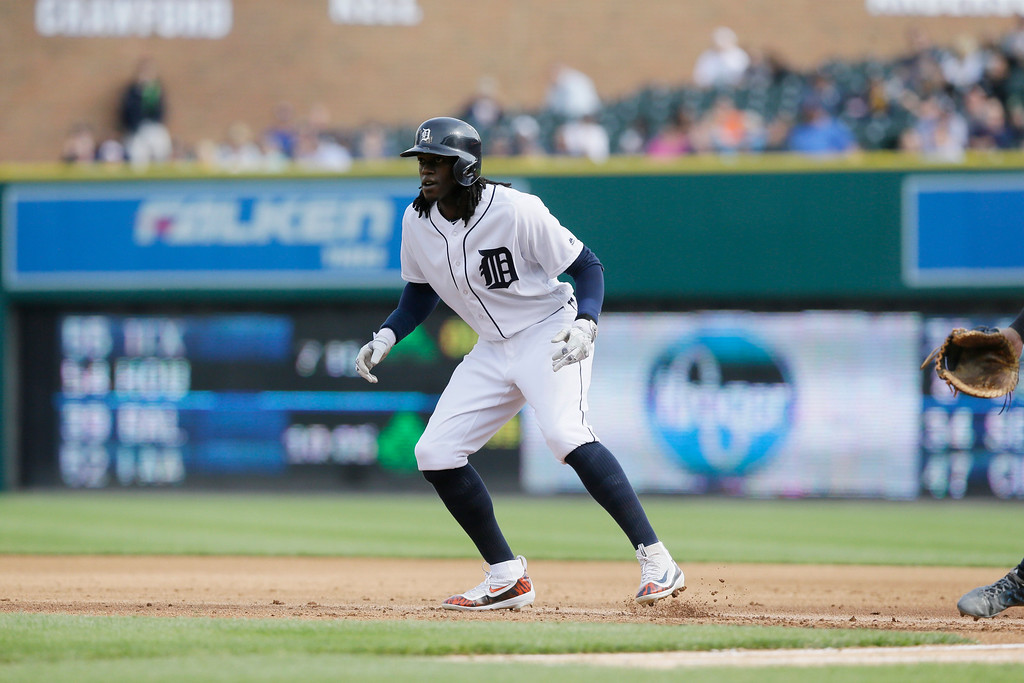 . Detroit Tigers\' Cameron Maybin leads off first during the fifth inning of a baseball game against the Tampa Bay Rays, Saturday, May 21, 2016, in Detroit. (AP Photo/Carlos Osorio)