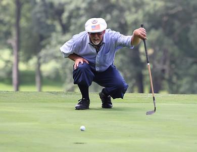 Bern Bernacki eyes his putt at Foxburg Country Club Friday. Seb Foltz/Butler Eagle 08/13/21
