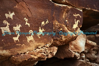 Arches National Park - Moab, Utah, Petroglyphs   -   Photo #0038