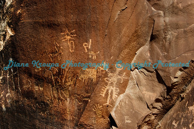 Petroglyphs at Canyonlands National Park -  Newspaper Rock - Needles - Utah   Photo #7146