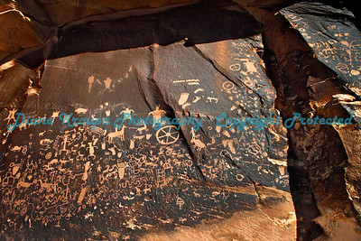 Petroglyphs at Canyonlands National Park -  Newspaper Rock - Needles - Utah   Photo #7138
